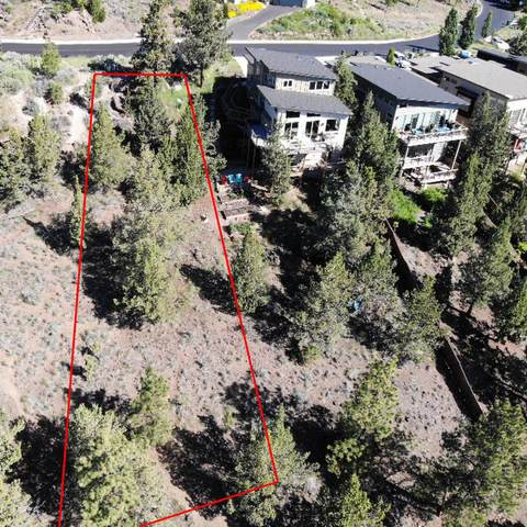 1765 SW Troon Avenue, Bend, OR 97702 (MLS #220107739) :: Bend Relo at Fred Real Estate Group