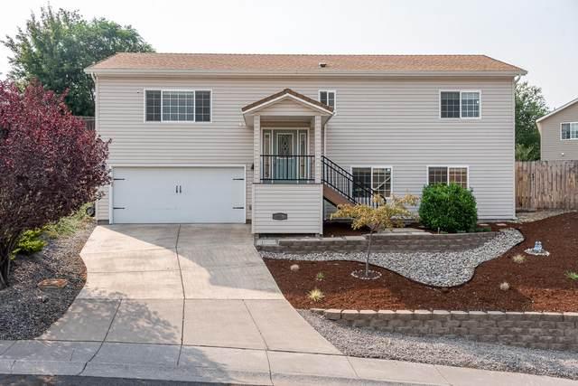 2310 James Martin Court, Klamath Falls, OR 97601 (MLS #220107902) :: Windermere Central Oregon Real Estate