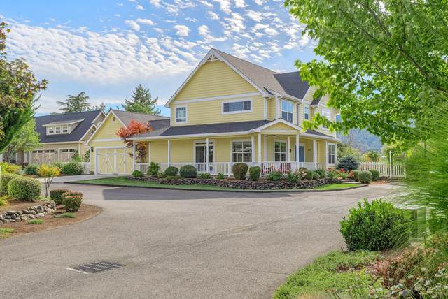 809 Buck Point Street, Central Point, OR 97502 (MLS #220107980) :: FORD REAL ESTATE
