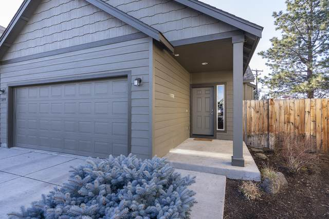 3099 NE Delmas Street, Bend, OR 97701 (MLS #220108023) :: Bend Relo at Fred Real Estate Group