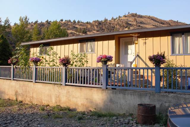 209 W Main Street, Mitchell, OR 97750 (MLS #220108236) :: Berkshire Hathaway HomeServices Northwest Real Estate