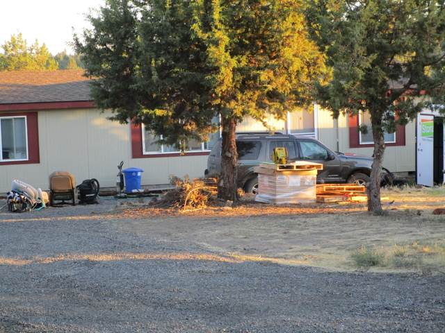 13770 SW Cinder Cone Loop, Terrebonne, OR 97760 (MLS #220108300) :: Bend Homes Now