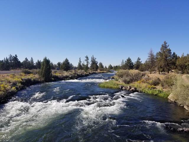 65305 N Hwy 97, Bend, OR 97701 (MLS #220108665) :: The Payson Group