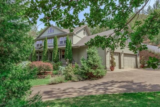 851 Hill Street, Jacksonville, OR 97530 (MLS #220108697) :: Rutledge Property Group