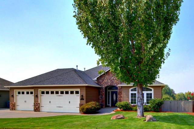410 Lone Oak Drive, Medford, OR 97504 (MLS #220108961) :: Coldwell Banker Bain