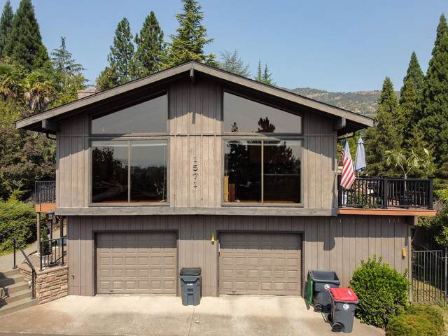 1571 Angelcrest Drive, Medford, OR 97504 (MLS #220109160) :: The Payson Group