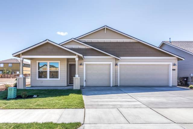 2434 SW Newberry Loop, Redmond, OR 97756 (MLS #220109173) :: Fred Real Estate Group of Central Oregon