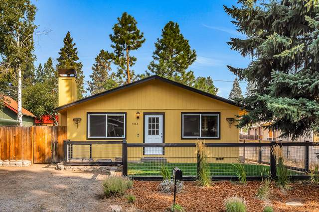 1362 NW Fresno Avenue, Bend, OR 97703 (MLS #220109212) :: Coldwell Banker Bain
