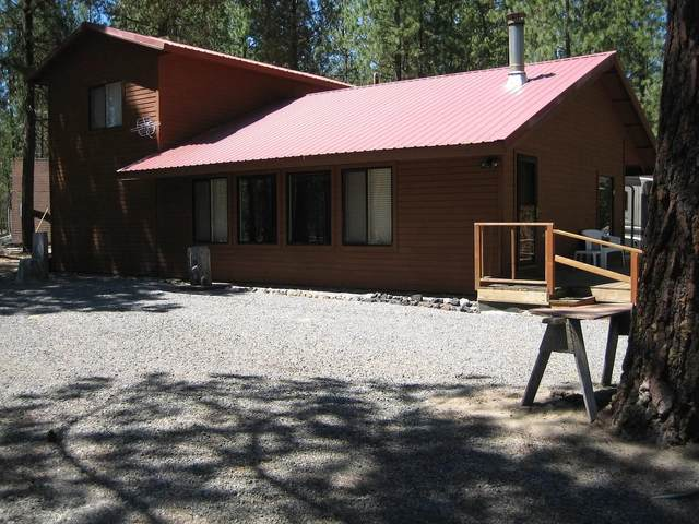 52015 Old Wikiup Road, La Pine, OR 97739 (MLS #220109219) :: Coldwell Banker Bain