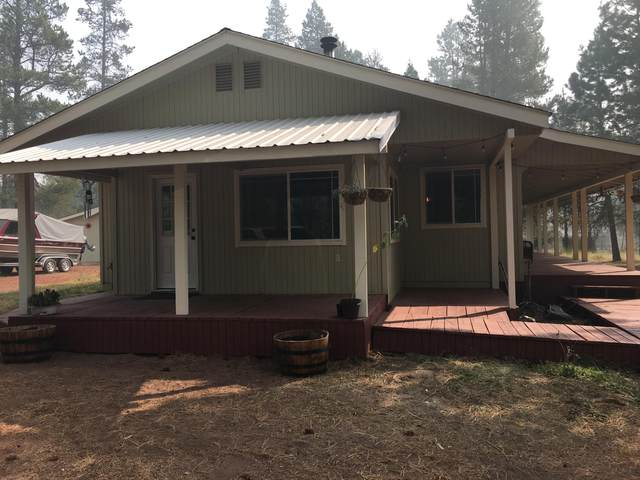 51636 Pine Loop Drive, La Pine, OR 97739 (MLS #220109228) :: Vianet Realty