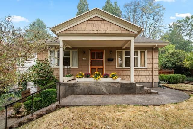 2433 SE Grant Street, Portland, OR 97214 (MLS #220109285) :: Fred Real Estate Group of Central Oregon