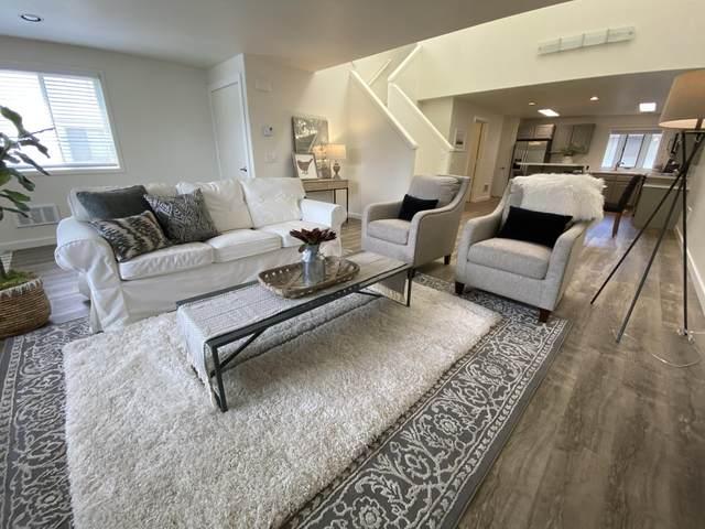 1050 NE Butler Market Road #30, Bend, OR 97701 (MLS #220109286) :: Fred Real Estate Group of Central Oregon