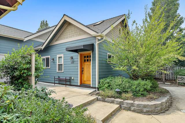 1225 Iowa Street, Ashland, OR 97520 (MLS #220109320) :: Premiere Property Group, LLC