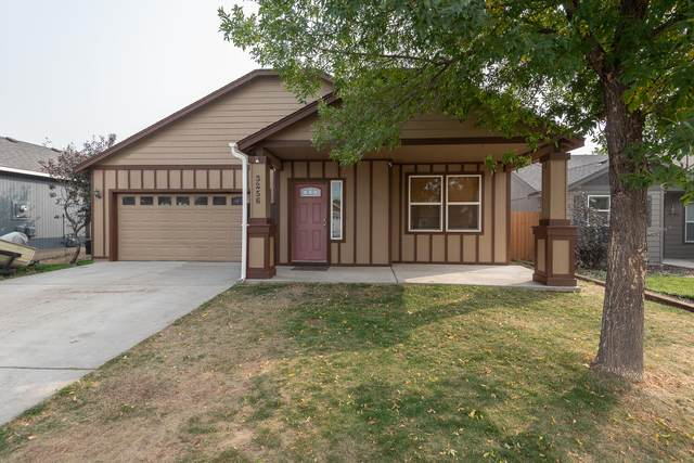 3256 SW Peridot Avenue, Redmond, OR 97756 (MLS #220109321) :: Berkshire Hathaway HomeServices Northwest Real Estate