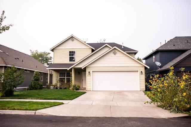 61028 Borden Drive, Bend, OR 97702 (MLS #220109327) :: Premiere Property Group, LLC