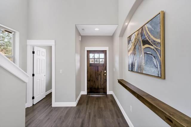 2045 NE Altura Drive, Bend, OR 97701 (MLS #220109330) :: Premiere Property Group, LLC