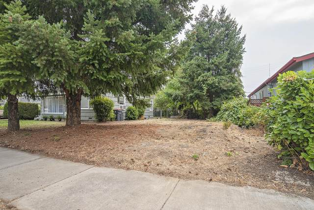 913 S Holly Street, Medford, OR 97501 (MLS #220109342) :: Premiere Property Group, LLC