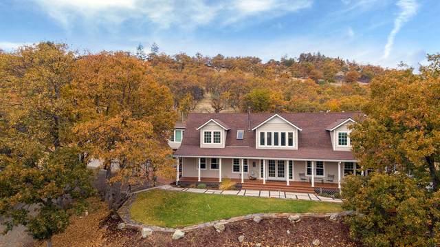 6015 Dark Hollow Road, Medford, OR 97501 (MLS #220109351) :: Rutledge Property Group