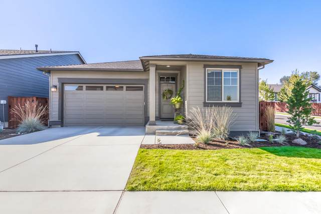 1006 Ne Steins Pillar Dr., Prineville, OR 97754 (MLS #220109362) :: Fred Real Estate Group of Central Oregon