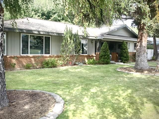 3846 La Marada Way, Klamath Falls, OR 97603 (MLS #220109371) :: Bend Homes Now