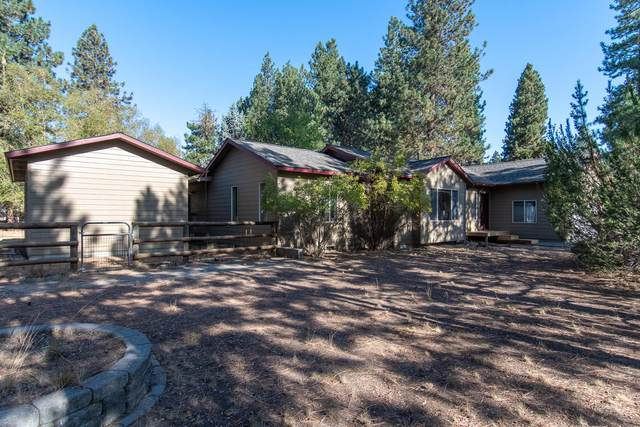 60195 Navajo Road, Bend, OR 97702 (MLS #220109377) :: Coldwell Banker Bain