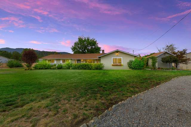 730 Meadow View Drive, Williams, OR 97544 (MLS #220109382) :: The Payson Group