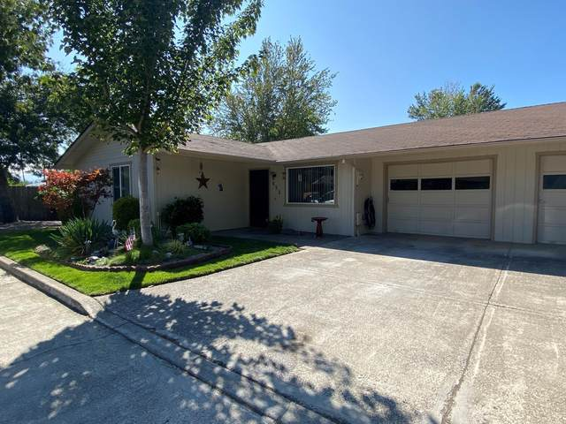 632 SW Sunwood Way, Grants Pass, OR 97526 (MLS #220109387) :: FORD REAL ESTATE