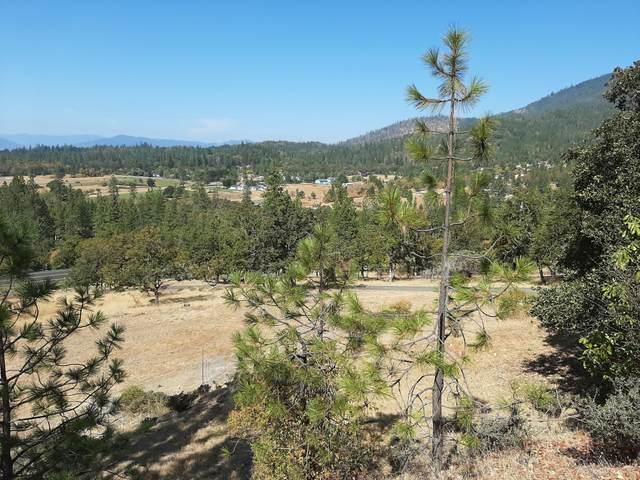 2549 Granite Hill Road, Grants Pass, OR 97526 (MLS #220109388) :: FORD REAL ESTATE