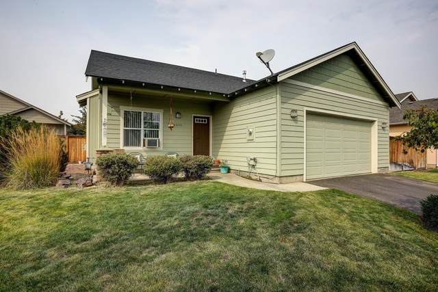 63737 Hunters Circle, Bend, OR 97701 (MLS #220109400) :: Bend Homes Now