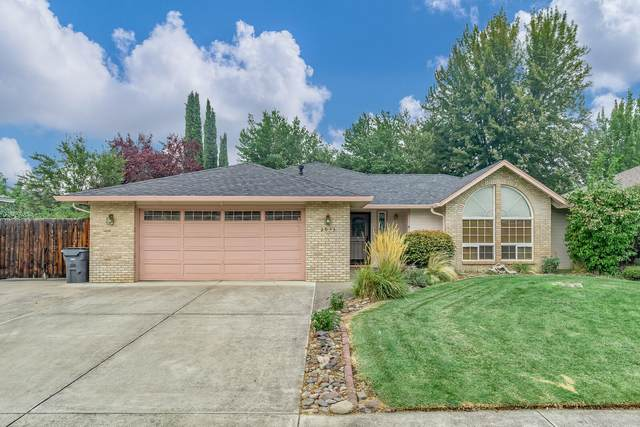 3053 Ruby Drive, Medford, OR 97504 (MLS #220109403) :: Bend Relo at Fred Real Estate Group