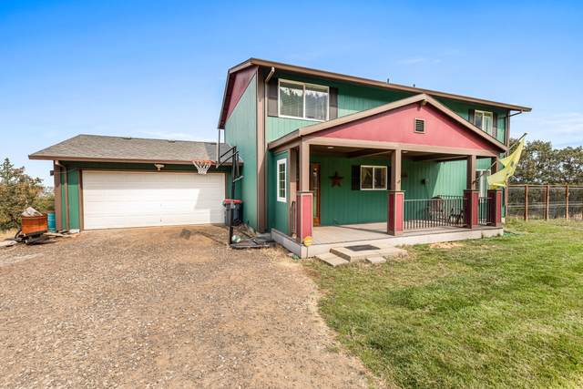 448 Wren Ridge Drive, Eagle Point, OR 97524 (MLS #220109412) :: Bend Relo at Fred Real Estate Group