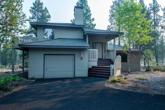 17698 Rogue Lane, Sunriver, OR 97707 (MLS #220109413) :: Team Birtola | High Desert Realty