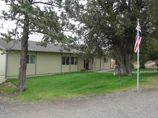 65456 73rd Street, Bend, OR 97703 (MLS #220109417) :: Coldwell Banker Bain