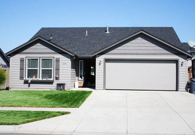 3447 Ford Drive, Medford, OR 97504 (MLS #220109432) :: FORD REAL ESTATE