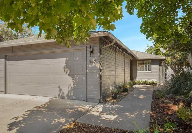 942 Glengrove Avenue, Central Point, OR 97502 (MLS #220109459) :: FORD REAL ESTATE