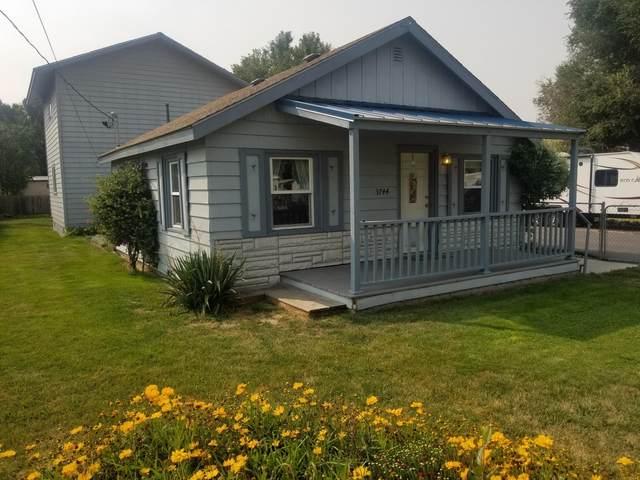 3744 Laverne Avenue, Klamath Falls, OR 97603 (MLS #220109473) :: Bend Homes Now