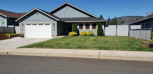 274 Gamay Drive, Cave Junction, OR 97523 (MLS #220109495) :: Rutledge Property Group