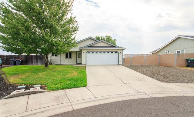 3944 Francine Court, White City, OR 97503 (MLS #220109637) :: The Payson Group