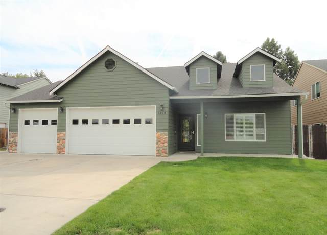 5214 Villa Drive, Klamath Falls, OR 97603 (MLS #220109658) :: The Ladd Group