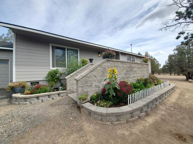 8048 SW Crater Loop Road, Terrebonne, OR 97760 (MLS #220109739) :: Bend Homes Now