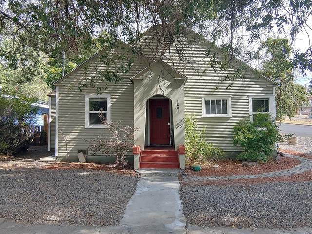 1803 Siskiyou, Klamath Falls, OR 97601 (MLS #220109740) :: Bend Homes Now