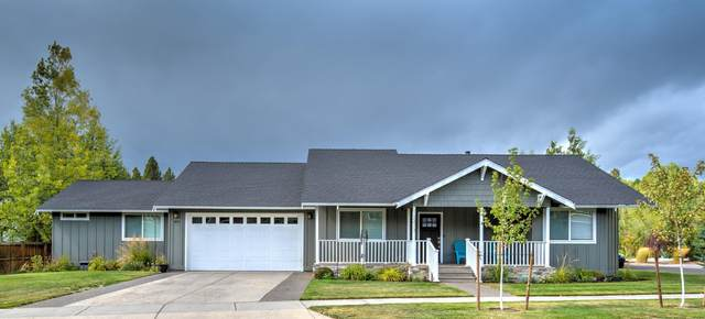 2473 NW Summerhill Drive, Bend, OR 97703 (MLS #220109752) :: The Ladd Group