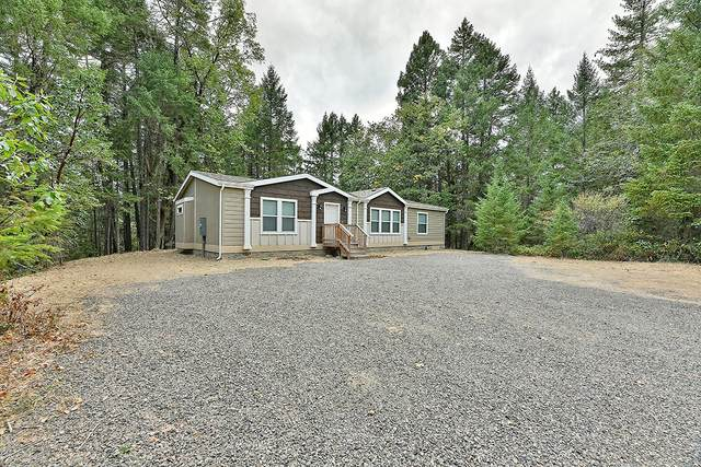 1011 Ferry Road, Grants Pass, OR 97526 (MLS #220109771) :: Team Birtola | High Desert Realty