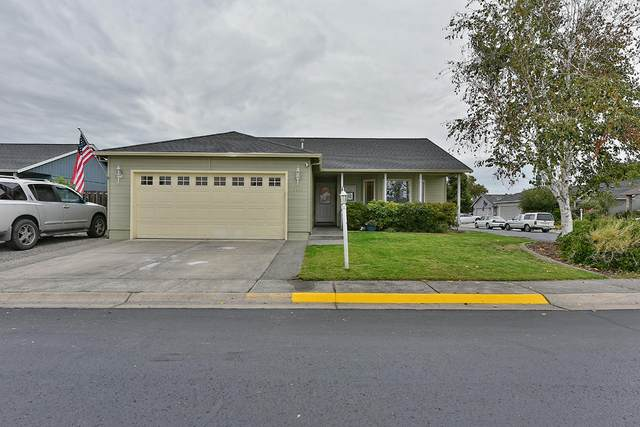 1414 Pheasant Way, Central Point, OR 97502 (MLS #220109772) :: Vianet Realty