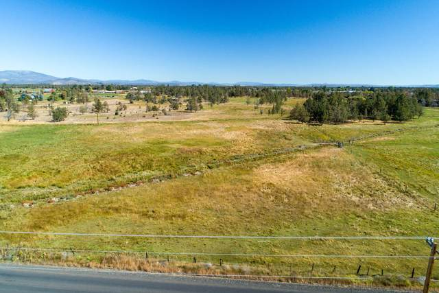 506 NE Oneil Way, Redmond, OR 97756 (MLS #220109920) :: Fred Real Estate Group of Central Oregon