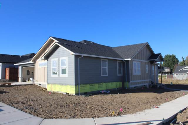 3240 Fallen Oak Drive, Medford, OR 97504 (MLS #220109948) :: Stellar Realty Northwest