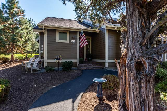 1425 Highland View Loop, Redmond, OR 97756 (MLS #220110017) :: Vianet Realty