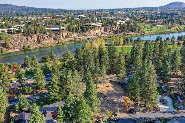 61689 Cedarwood Road, Bend, OR 97702 (MLS #220110166) :: The Ladd Group