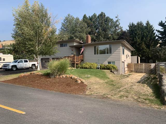 2007 Unity Street, Klamath Falls, OR 97603 (MLS #220110185) :: The Payson Group
