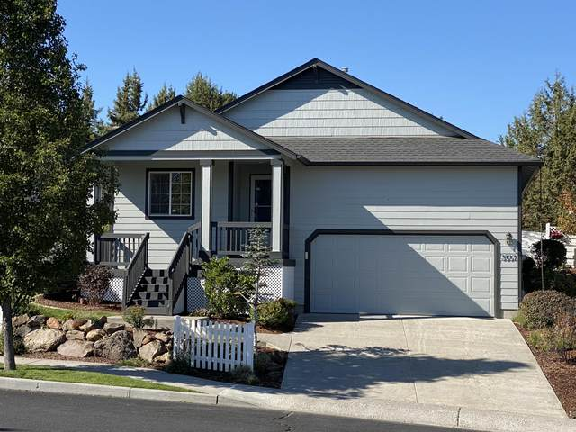 3557 SW 30th Street, Redmond, OR 97756 (MLS #220110300) :: Rutledge Property Group
